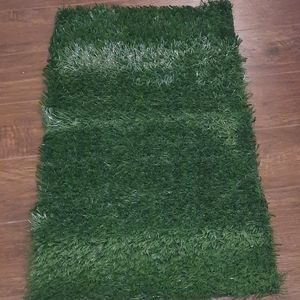 Fake grass for pee pads/ pee pad holder